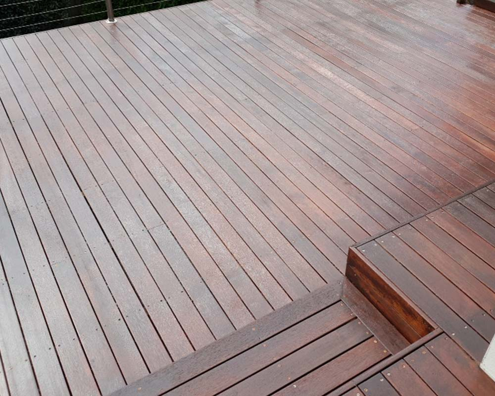 timber deck staining services